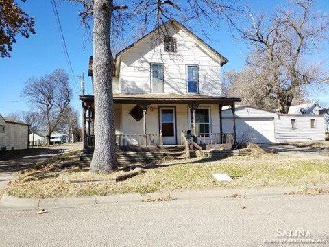 316 N Grand Ave, Ellsworth, KS 67439
