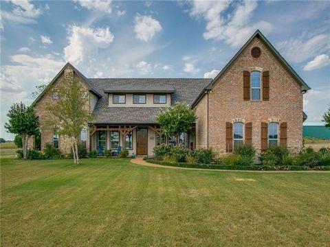 Photo of 4233 Waterstone Estates Dr, McKinney, TX 75071