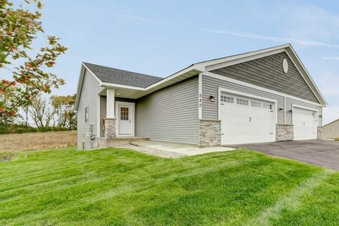 Photo of 338 Meadow Ln, Norwood Young America, MN 55397