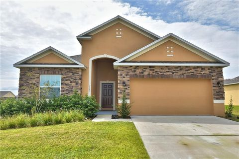 Photo of 3301 Lynrock Ave, Dundee, FL 33838