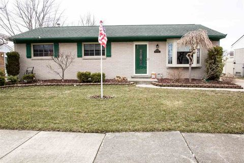 Photo of 27546 Weddel Ave, Brownstown Township, MI 48183