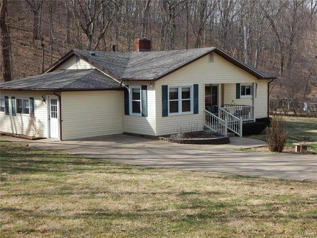 219 Hickory Ln, Eureka, MO 63025
