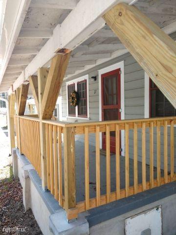 Photo of 53 Bent Oaks Dr # 53, Hendersonville, NC 28792