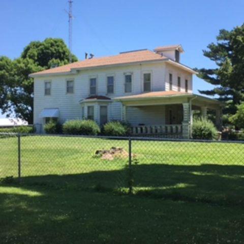 409 E North St, Roodhouse, IL 62082