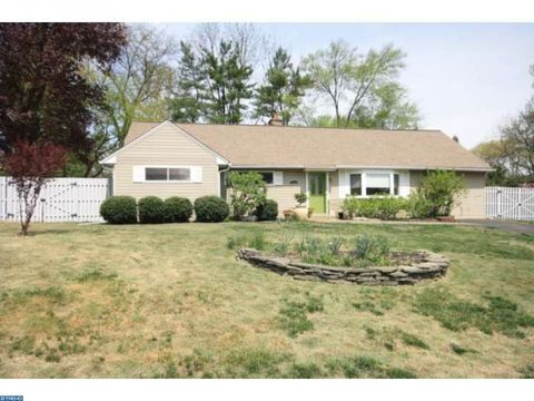 1062 Marie Rd, Rydal, PA 19046