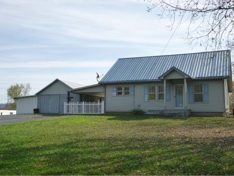 319 Old Stage Rd, Surgoinsville, TN 37873
