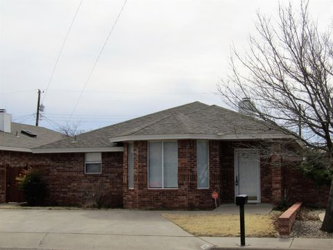 Photo of 708 Hickory St, Levelland, TX 79336