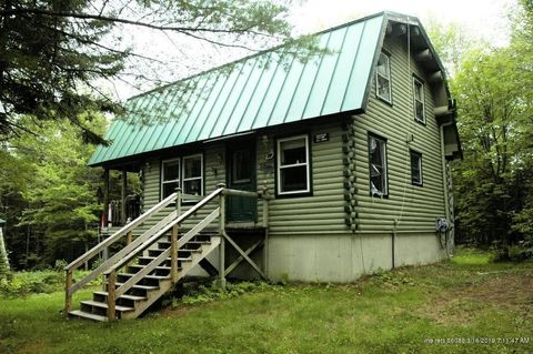 Photo of 626 Bowtown Rd, Carrying Place Town Township, ME 04961