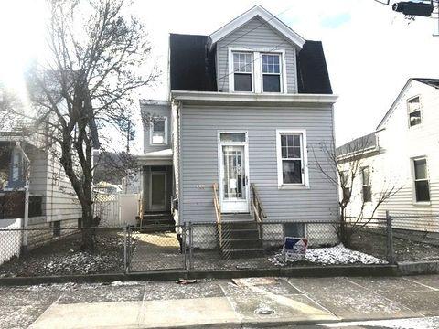 422 Thornton St, Newport, KY 41071