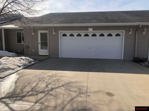 Photo of 1958 E Welco Dr, Saint Peter, MN 56082