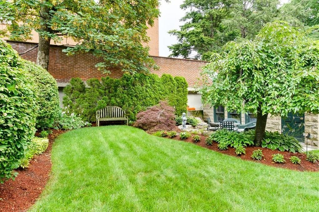 17 Browning Rd, Somerville, MA 02145