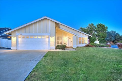 Photo of 8365 Comet St, Rancho Cucamonga, CA 91730