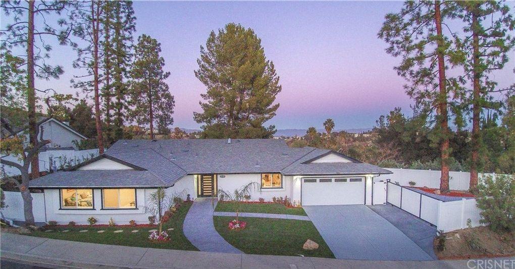 22301 Quinta Rd, Woodland Hills, CA 91364