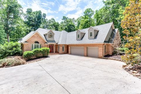 5 Reservoir Hill Rd, Norris, TN 37828