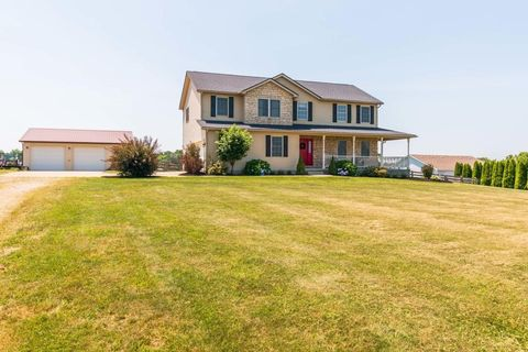 23100 Deal Rd, Gambier, OH 43022