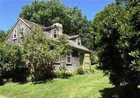 1147 Russells Mills Rd, Dartmouth, MA 02748