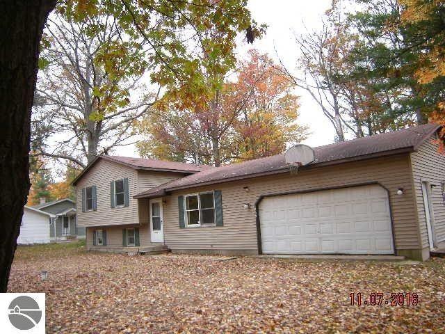 1859 kozy ct interlochen mi 49643 home for sale real estate