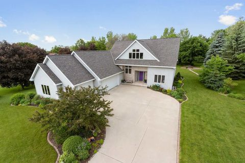 Photo of 4066 Hackberry Ct, Green Bay, WI 54311