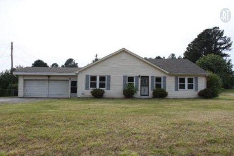 967 N Broad St, Lexington, TN 38351