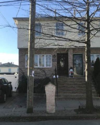 138 Roswell Ave, Staten Island, NY 10314