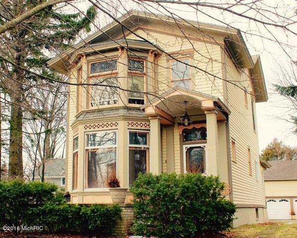 205 n gaylord ave ludington mi 49431 home for sale real estate