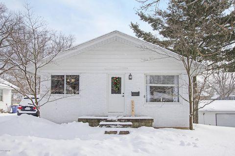 Photo of 1536 Emerson Ave Nw, Grand Rapids, MI 49504