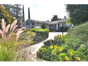 >20426 Aetna StWoodland Hills, California 91367