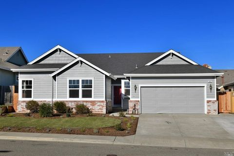 Photo of 462 Muscat Dr, Cloverdale, CA 95425