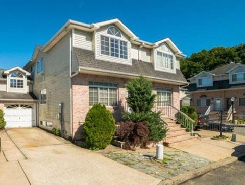 69 Darnell Ln, Staten Island, NY 10309