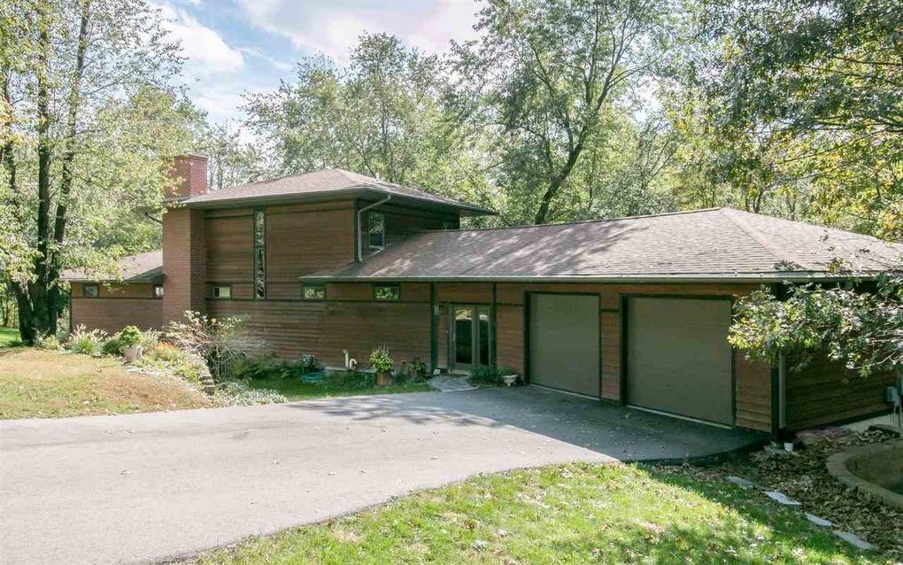 13 Brickwood Cir Ne, Iowa City, IA 52240