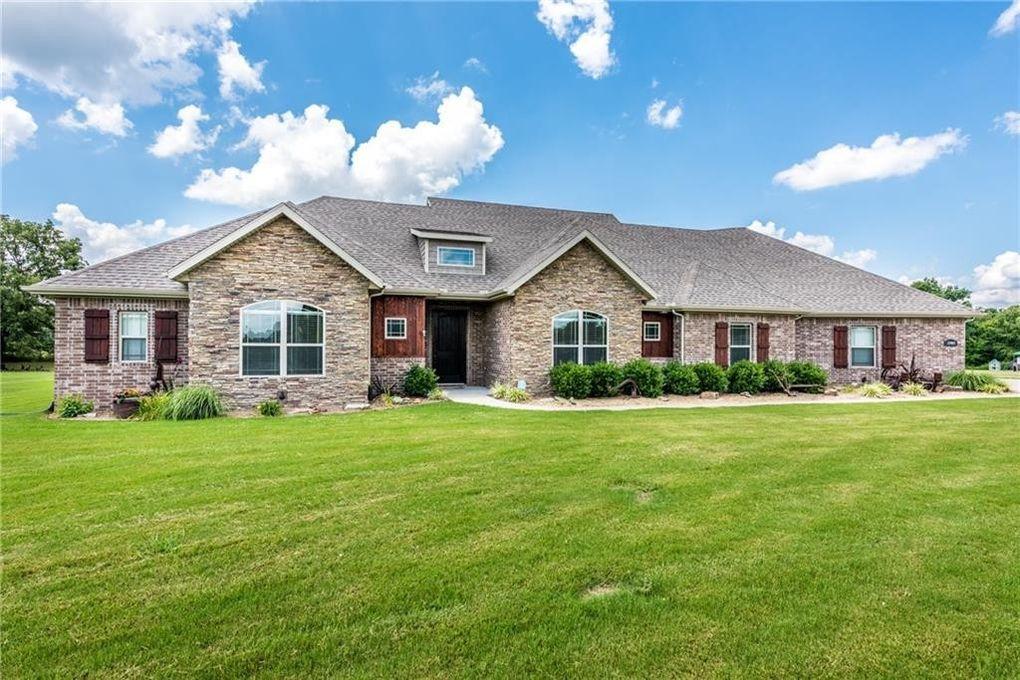 13463 Meadow Ridge, Fayetteville, AR 72704