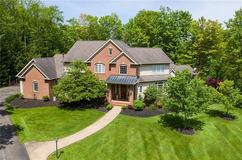 Photo of 116 Ashleigh Dr, Chagrin Falls, OH 44022