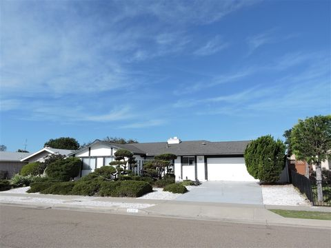 Photo of 2974 Governor Dr, San Diego, CA 92122