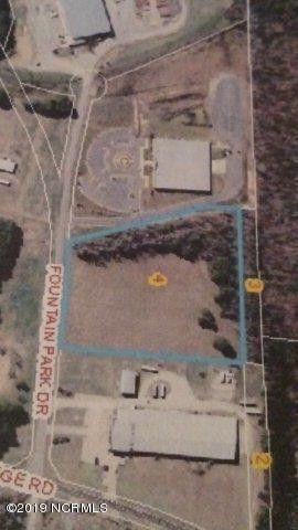 120 Fountain Park Dr, Battleboro, NC 27809