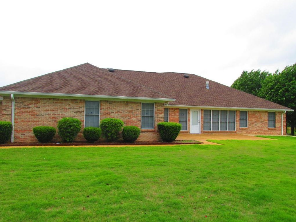 60086 Chickasaw Dr, Amory, MS 38821