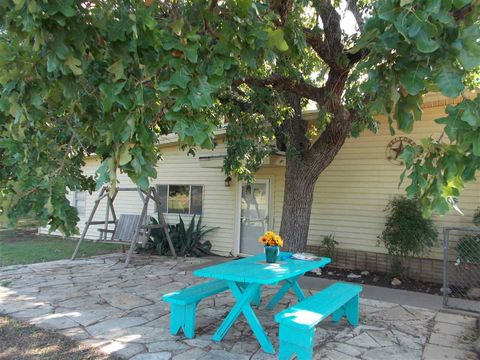 Photo of 108 Tail Wind Dr, Kingsland, TX 78639