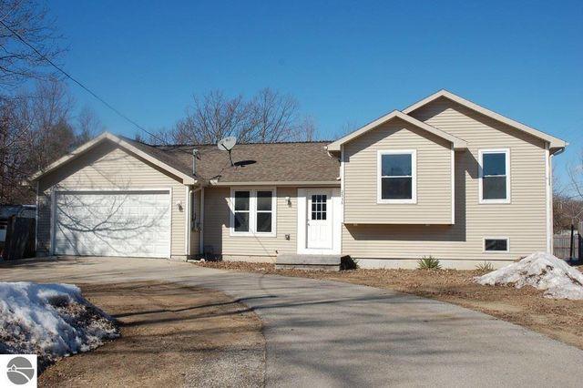 2536 railroad interlochen mi 49643 home for sale real estate
