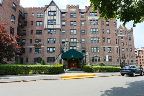 Photo of 10 Nosband Ave Apt 5 C, White Plains, NY 10605