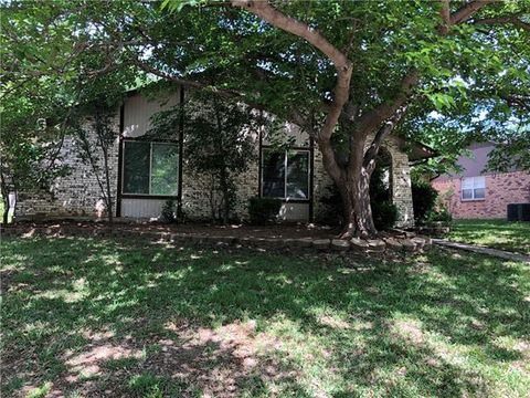 Photo of 637 Red River Dr, Lewisville, TX 75077