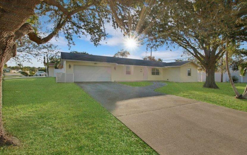 678 Riverside Dr, Palm Beach Gardens, FL 33410