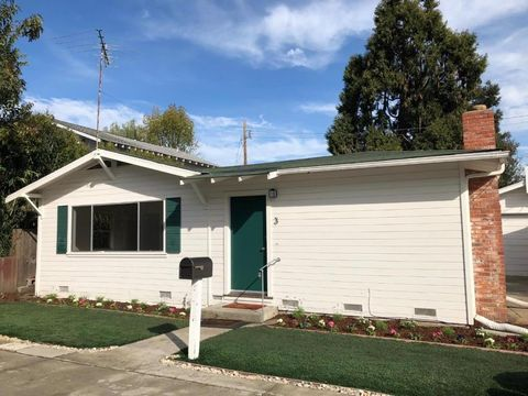 3 Vera Ct, Redwood City, CA 94061