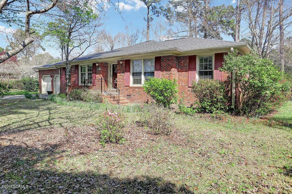 210 W Blackbeard Rd, Wilmington, NC 28409