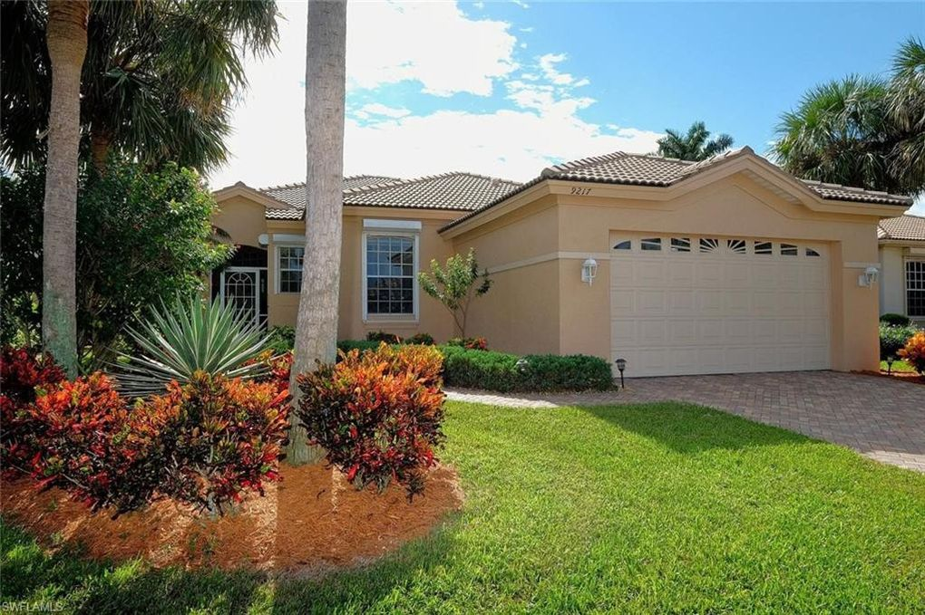 9217 Willowcrest Ct, Fort Myers, FL 33908