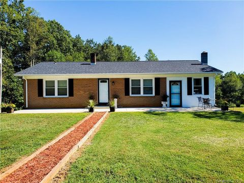Photo of 5420 Red Fox Trl, Connelly Springs, NC 28612