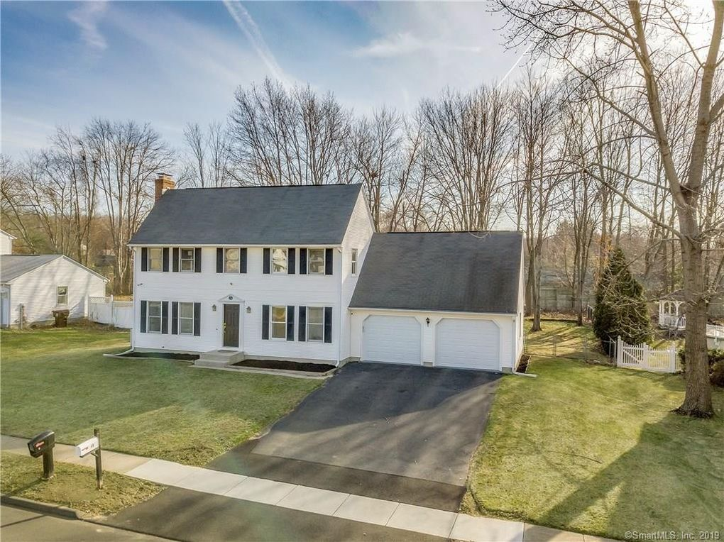 49 Foxcroft Rd, Enfield, CT 06082