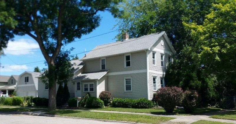206 W Chestnut St, Bay City, MI 48706