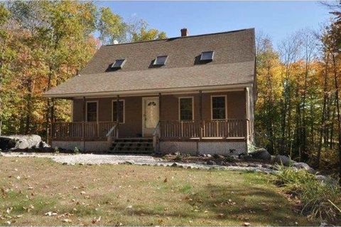 Photo of 14 Ridgeview Dr, Albany, NH 03818