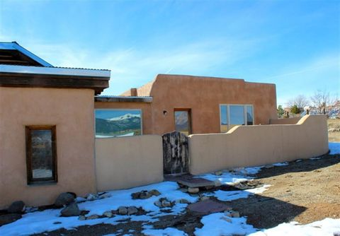 Photo of 118 Verdolaga Rd, Taos, NM 87571