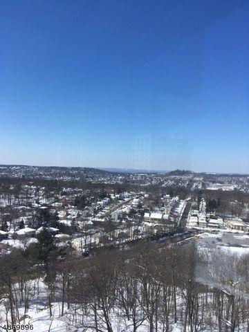Photo of 1 Claridge Dr Apt 808, Verona, NJ 07044