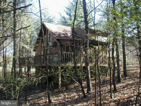Photo of 29 Wickiup Ln, Hedgesville, WV 25427